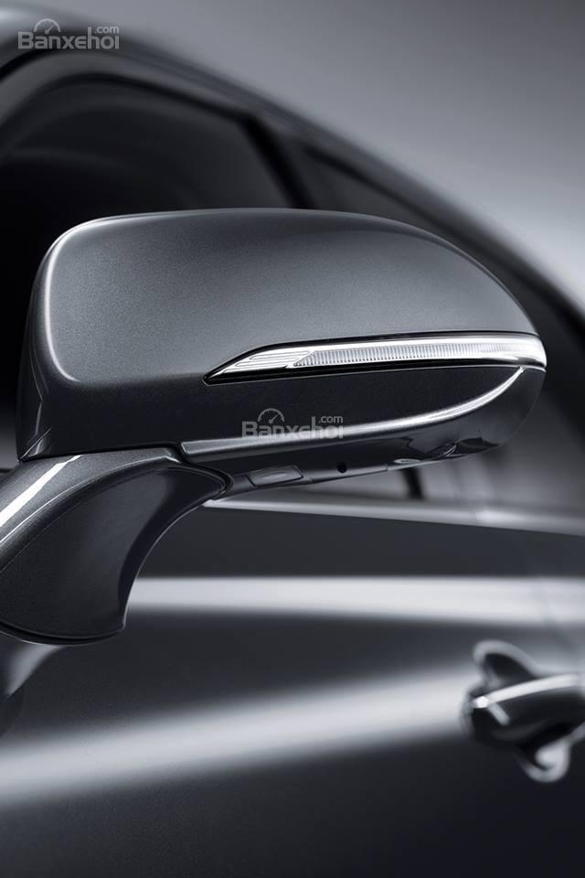 Đánh giá xe Genesis G90 2017: Thiết kế thân xe 2