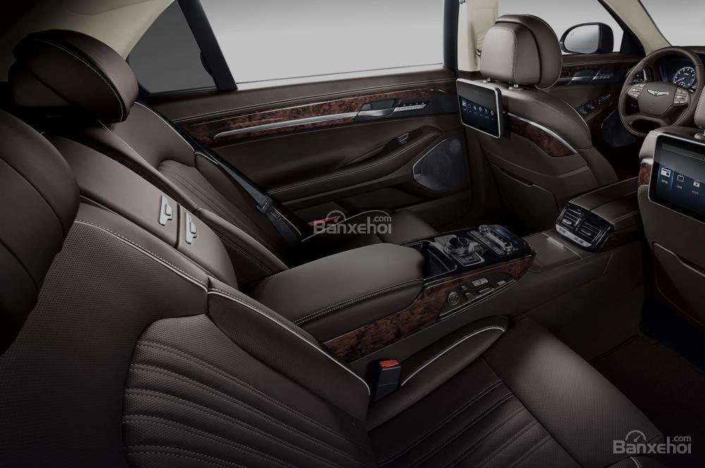 Hệ thống ghế ngồi trên Genesis G90 2017 được bọc da mềm Nappa cao cấp a2