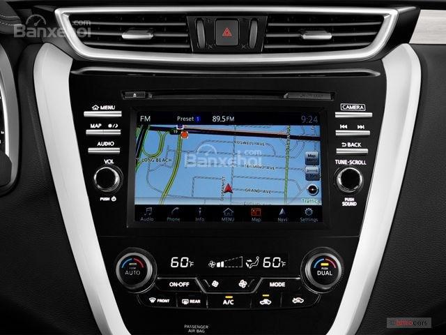 Đánh giá xe Nissan Murano 2017: Màn hình cảm ứng 8 inch.