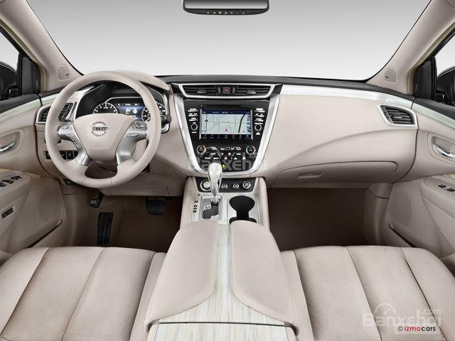 Đánh giá xe Nissan Murano 2017: Thiết kế nội thất sang trọng, tiện nghi và yên tĩnh.