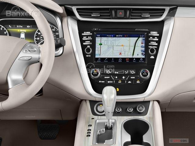 Đánh giá xe Nissan Murano 2017: Bảng điều khiển trung tâm a1