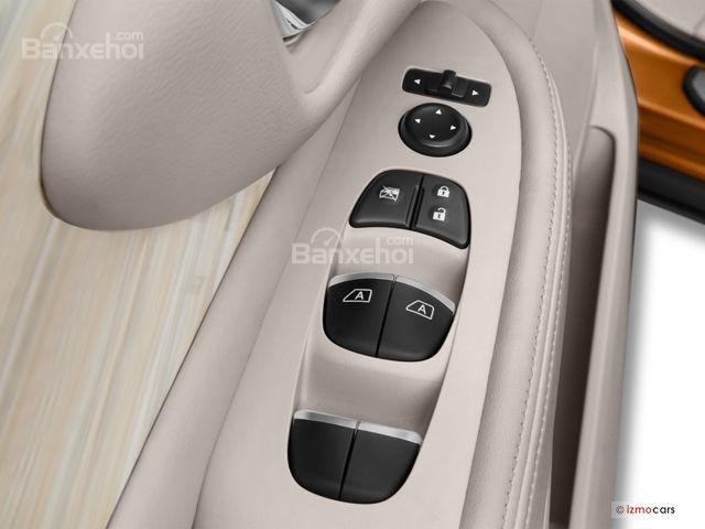 Đánh giá xe Nissan Murano 2017: Cửa xe với thiết kế chắc chắn a3