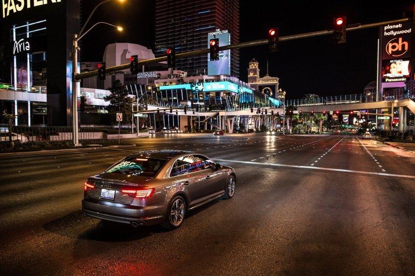 Công nghệ V2I của Audi giúp lái xe biết chính xác thời gian phải chờ đèn đỏ là bao lâu
