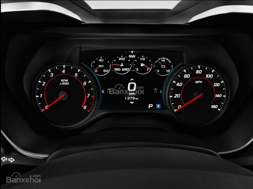 Đánh giá xe Chevrolet Camaro 2017: Bảng đồng hồ lái a2