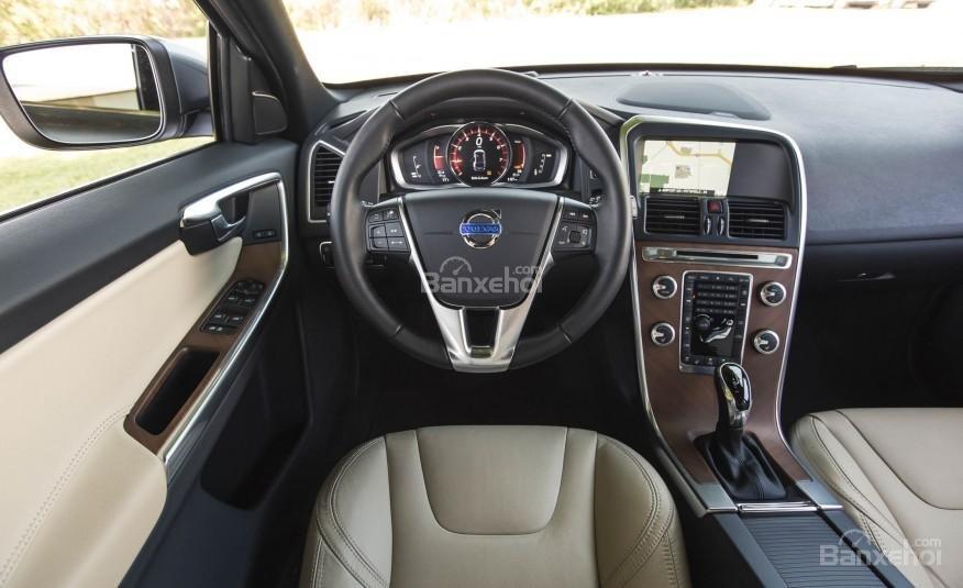 Đánh giá Volvo XC60 2017 về hệ thống nghe nhìn a1