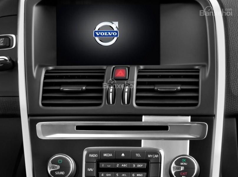 Đánh giá Volvo XC60 2017 về bảng điều khiển trung tâm a2