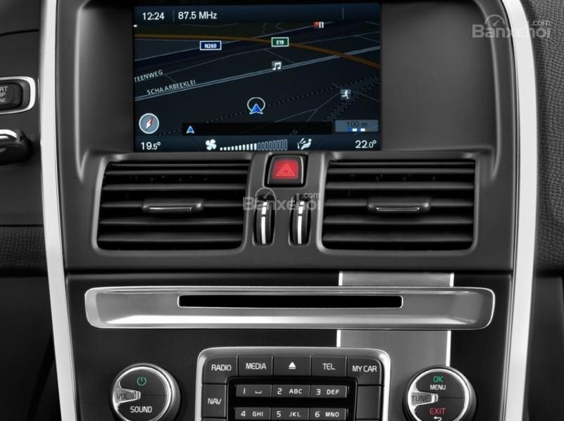 Volvo XC60 2017 sở hữu hệ thống điều hòa khí hậu hai vùng độc lập.