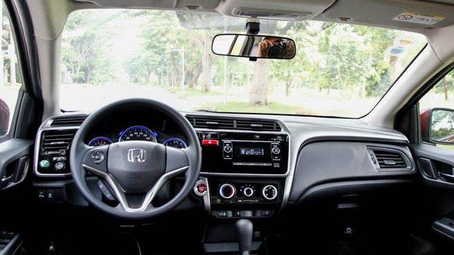 So sánh nội thất xe Honda City và Suzuki Ciaz - Tân binh chiếm thế thượng phong.