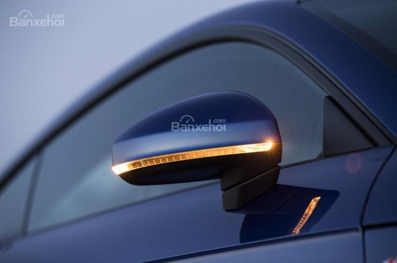 Đánh giá xe Audi TT 2017: Gương chiếu hậu tích hợp đèn báo rẽ.