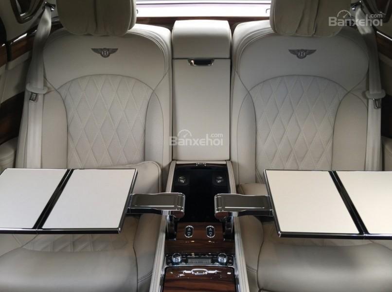 Đánh giá xe Bentley Mulsanne 2017 về không gian ghế ngồi a5