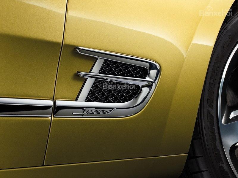 Đánh giá xe Bentley Mulsanne 2017 về thiết kế thân xe.