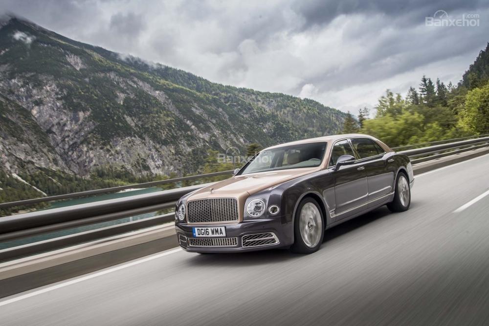 Bentley Mulsanne 2017 được trang bị hàng loạt công nghệ an toàn tiên tiến.