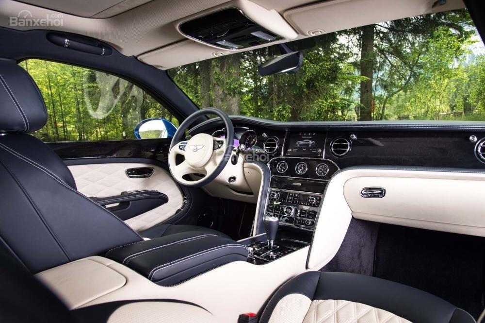 Đánh giá xe Bentley Mulsanne 2017: Bảng điều khiển trung tâm a1