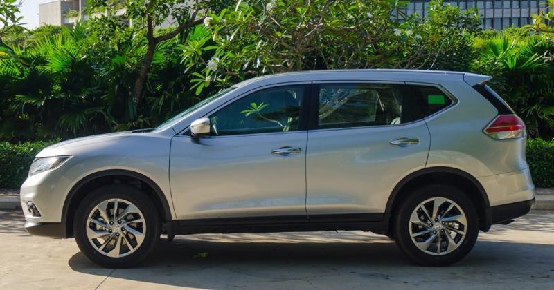 Đánh giá xe Nissan X-Trail 2016 có thân xe dày dạn, cao ráo và thanh lịch.