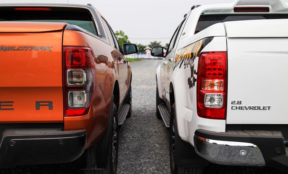 So sánh nội thất Ford Ranger Wildtrak 2016 và Chevrolet Colorado High Country 2017 8
