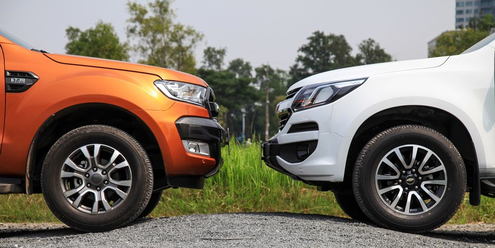 So sánh nội thất Ford Ranger Wildtrak 2016 và Chevrolet Colorado High Country 2017 6