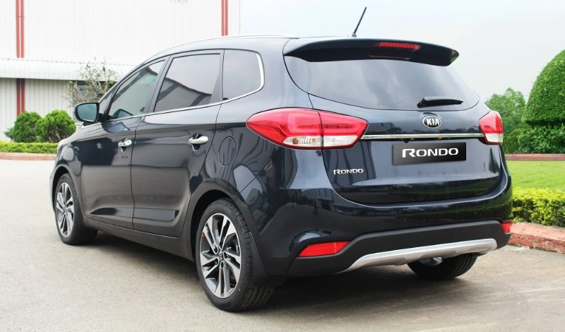Kia Rondo 2017 facelift có giá từ 654 triệu tại Việt Nam a2
