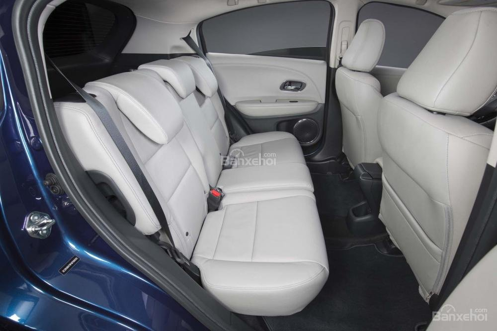 Không gian ghế ngồi trên Honda HR-V 2017 a2