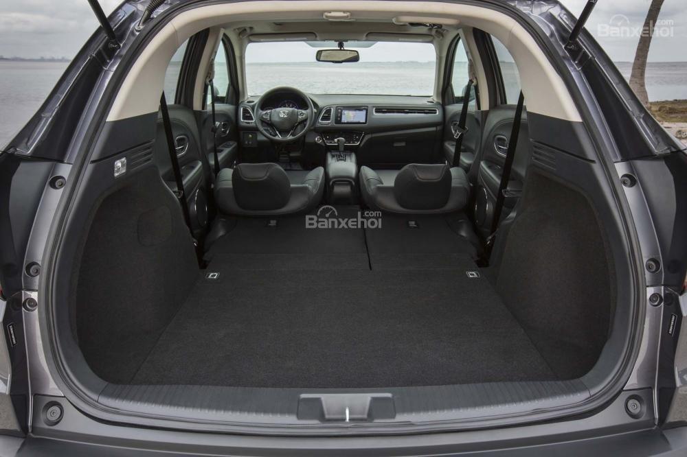 Khoang chứa đồ Honda HR-V 2017 a1