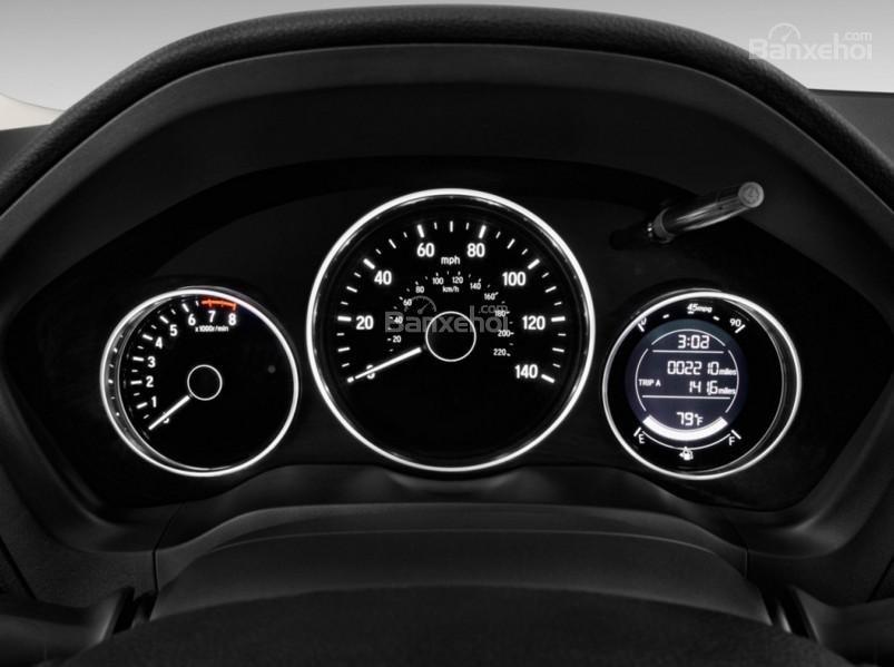 So sánh xe Chevrolet Trax 2017 và Honda HR-V 2017 về bảng đồng hồ lái a2