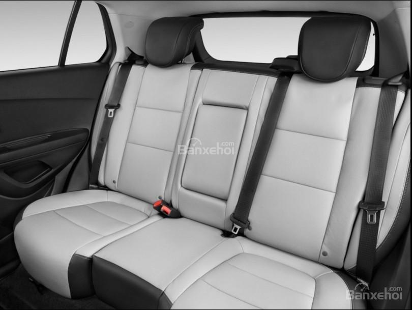 Không gian ghế ngồi trên Chevrolet Trax 2017 a2