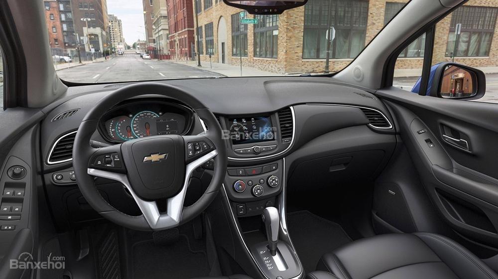 Nội thất của Chevrolet Trax 2017 mang vẻ đẹp truyền thống hơn và hướng đến tính thực dụng.