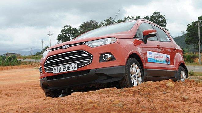 So sánh xe Ford EcoSport và Chevrolet Trax - Khi ma cũ lép vế ma mới.