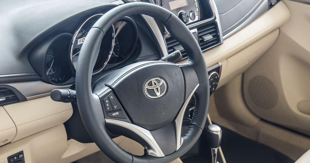 Đánh giá xe Toyota Vios 2017 có vô lăng 3 chấu thể thao.