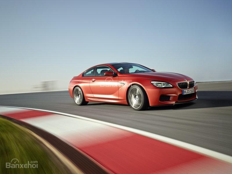 Đánh giá xe BMW M5 2016: Cỗ máy hiệu suất mạnh mẽ, sang trọng.