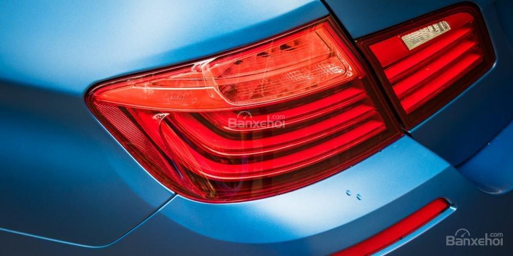 Đánh giá xe BMW M5 2016: Đèn hậu cỡ lớn.
