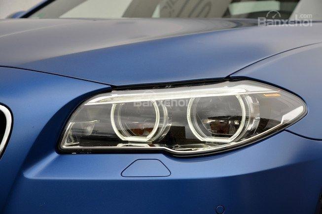 Đánh giá xe BMW M5 2016: Đen pha Xenon tiêu chuẩn 1