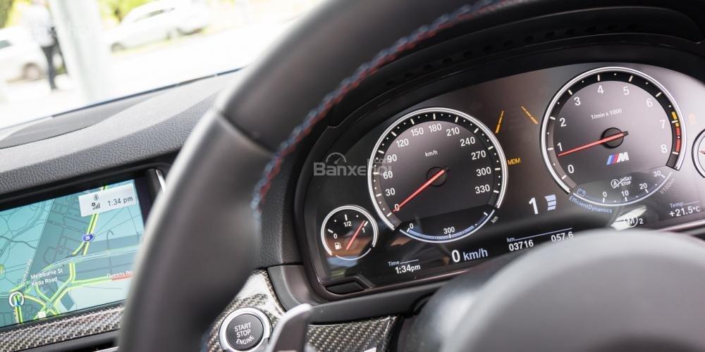 Đánh giá xe BMW M5 2016 về bảng đồng hồ lái a2