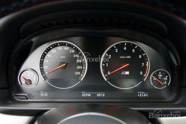 Đánh giá xe BMW M5 2016 về bảng đồng hồ lái a1