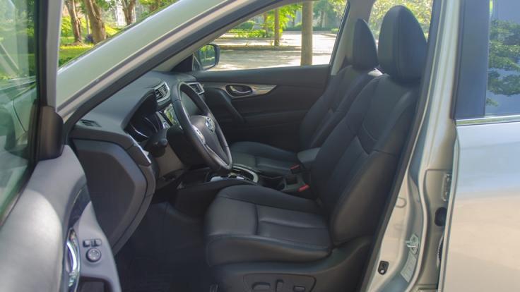 So sánh nội thất xe Nissan X-Trail và Honda CR-V: Không ai hoàn hảo 2