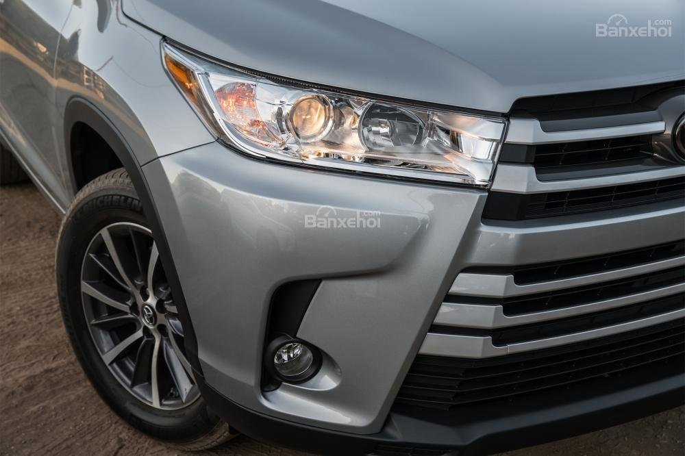 Đánh giá xe Toyota Highlander 2017 về thiết kế đầu xe 3
