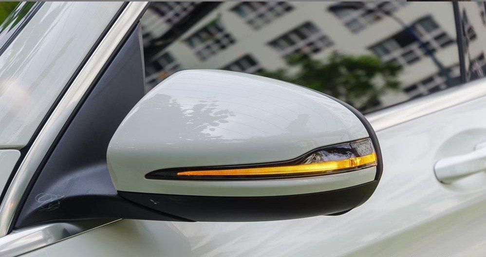 Đánh giá xe Mercedes-Benz GLC-Class 2017: Gương chiếu hậu chỉnh/gập điện tích hợp đèn báo rẽ dạng LED 1