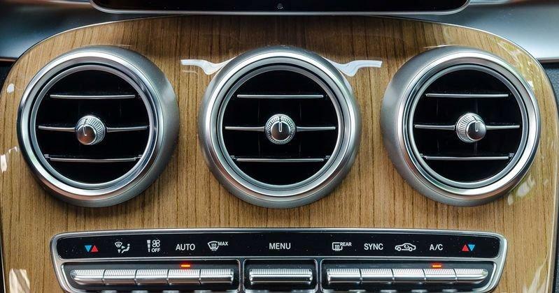 Đánh giá xe Mercedes-Benz GLC-Class 2017: Hệ thống tiện nghi 1
