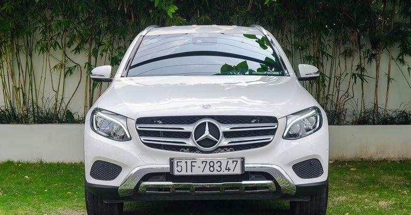 Đánh giá xe Mercedes-Benz GLC-Class 2017 về thiết kế đầu xe 2
