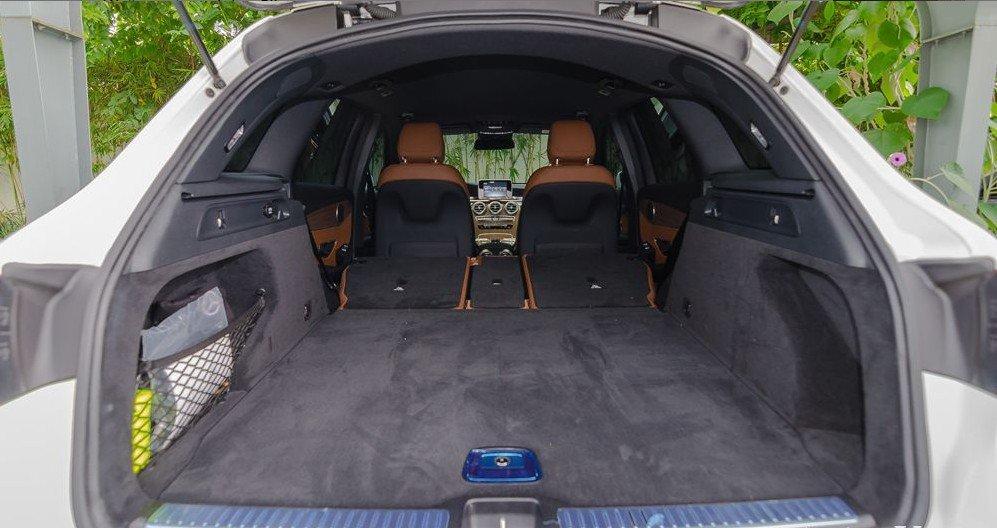 Đánh giá xe Mercedes-Benz GLC-Class 2017: Khoang hành lý trên 1.600 lít cực kỳ rộng rãi 1