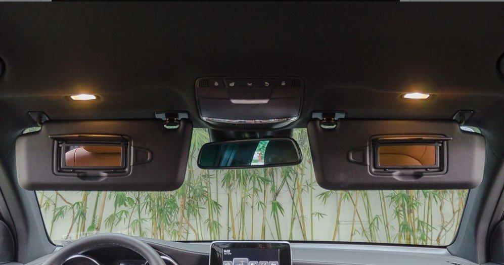Hệ thống đèn nội thất là phần ghi điểm của Mercedes-Benz GCL 2017 1