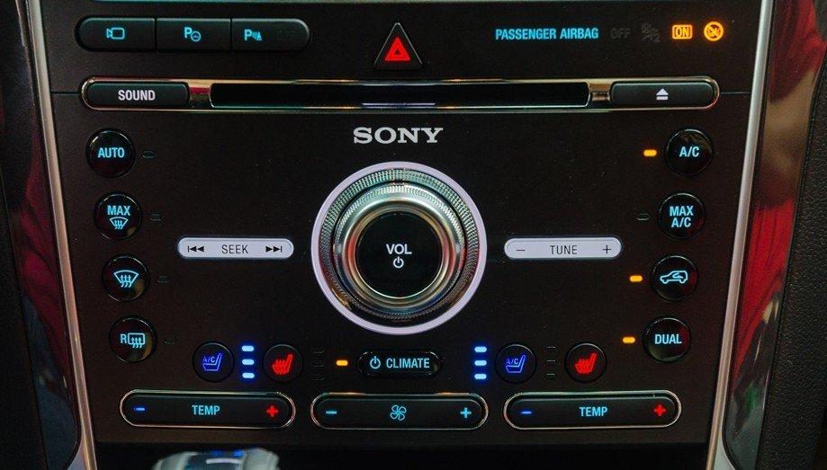 Đánh giá xe Ford Explorer 2017: Dàn âm thanh cao cấp Sony 12 loa công suất 500 watt 1