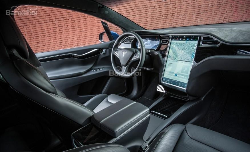 Tesla Model X 2016 sở hữu khoang nội thất rộng rãi, sang trọng và tiện nghi a1