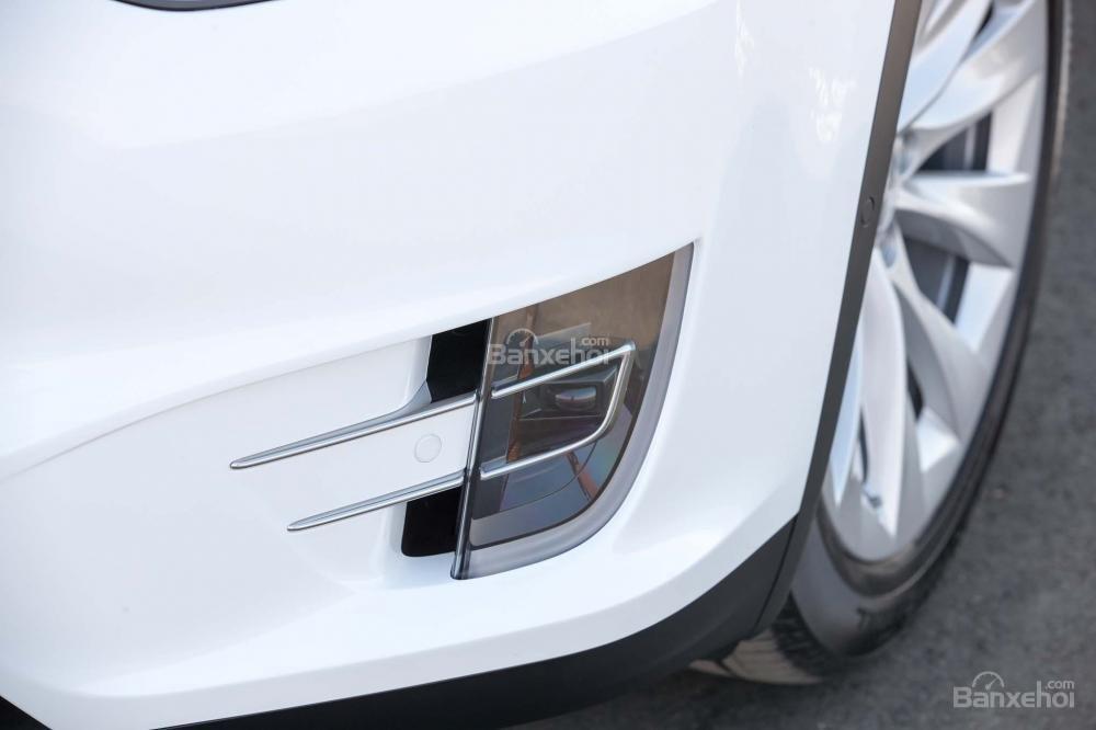Đánh giá xe Tesla Model X 2016 về thiết kế đầu xe a3