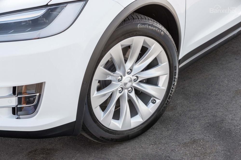 Đánh giá xe Tesla Model X 2016 về thiết kế thân xe a2
