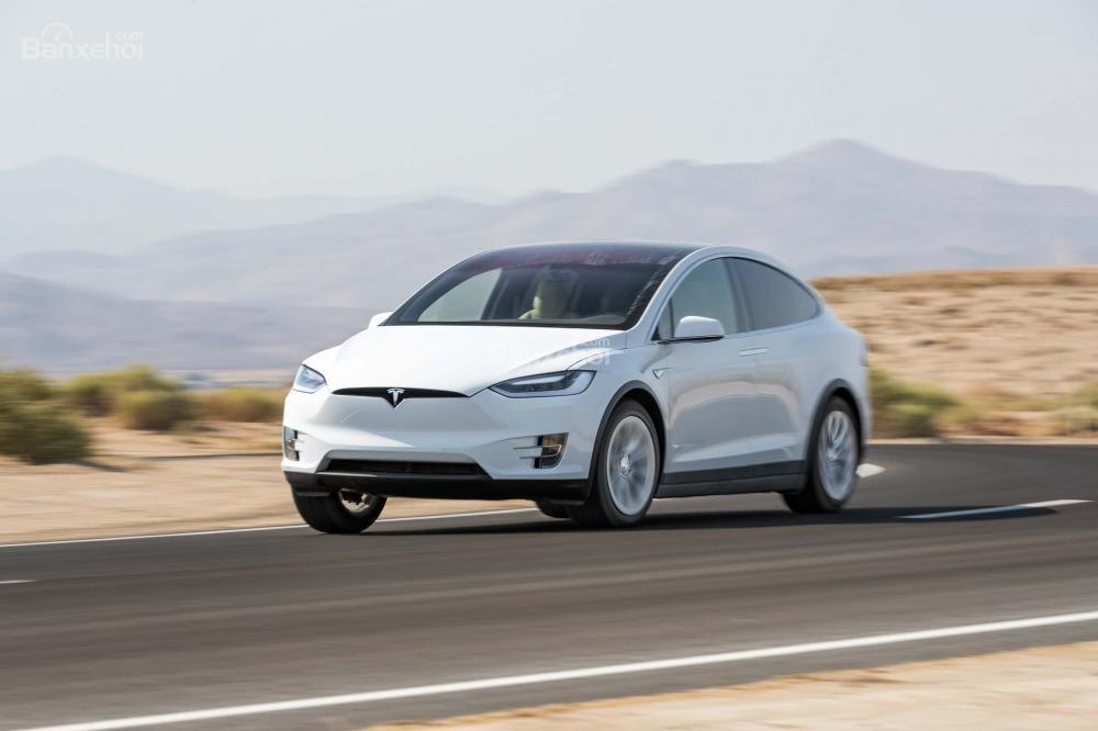 Đánh giá xe Tesla Model X 2016 về thiết kế đầu xe a1