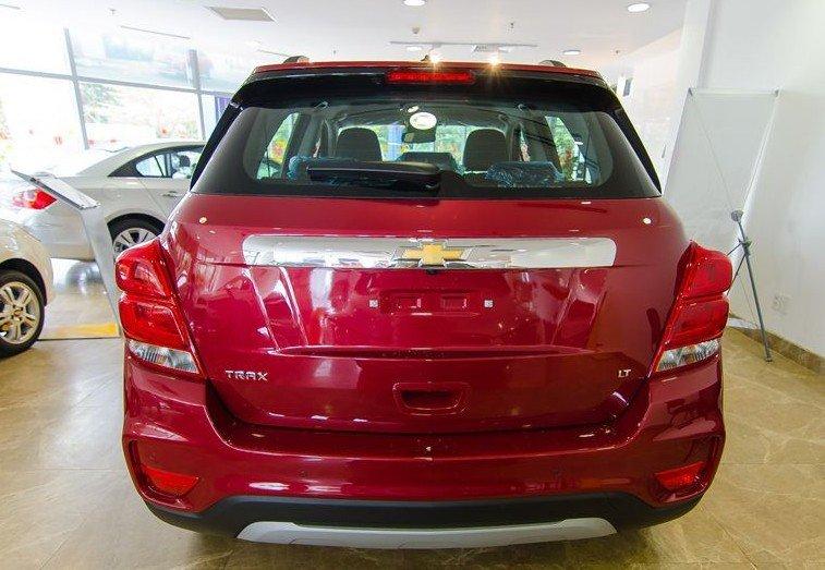 Đánh giá xe Chevrolet Trax 2017: Phần đuôi xe đem lại cảm cảm nhận vững chãi, bề thế cho người đối diện 1