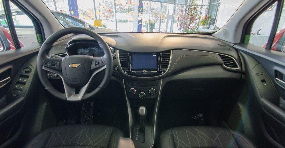 Đánh giá xe Chevrolet Trax 2017: Không gian nội thất rộng rãi, thoải mái hơn các đối thủ cùng phân khúc 1