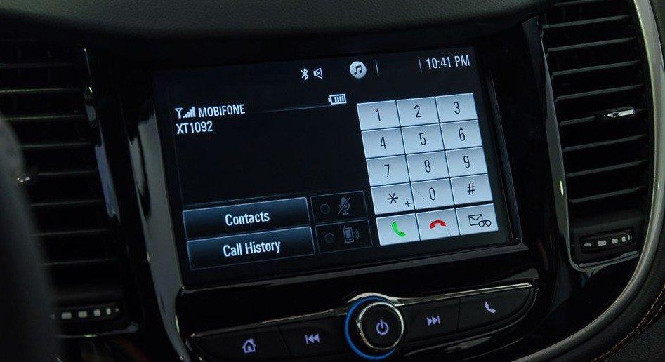 Đánh giá xe Chevrolet Trax 2017: Hệ thống thông nghe nhìn 1