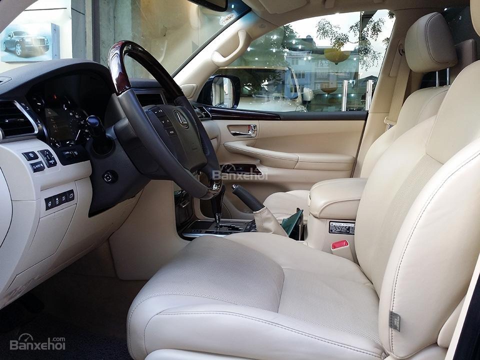 Cần bán xe Lexus LX 570 nhập Mỹ, model 2015, màu đen (4)