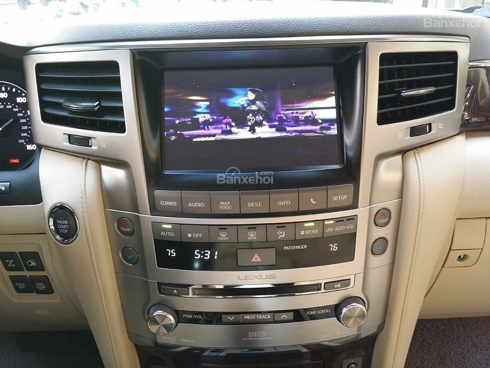 Cần bán xe Lexus LX 570 nhập Mỹ, model 2015, màu đen (8)